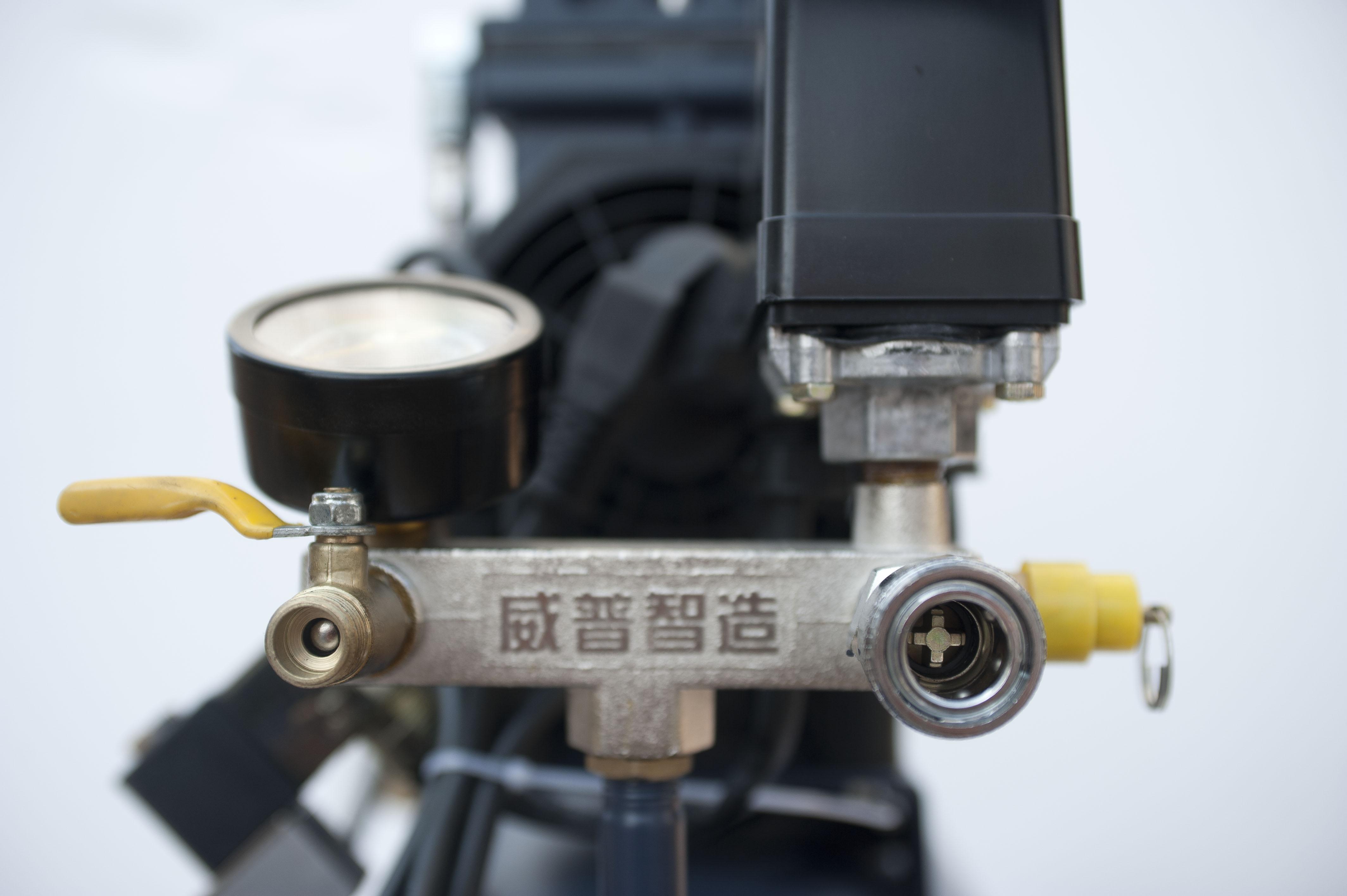 Компрессор безмасляный 0.8МПа, 1,5 КВт